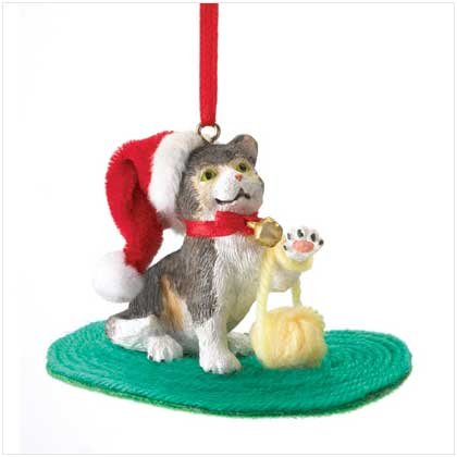KITTEN WITH STRING ORNAMENT