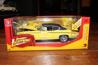 Johnny Lightning 1969 Chevy Chevelle SS Yellow MuscleCars R27 1/24