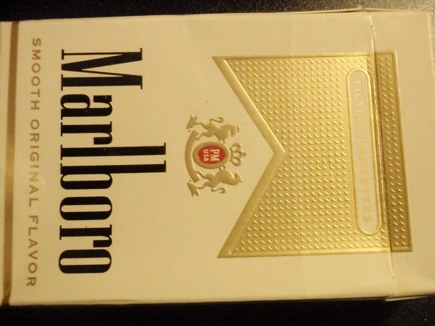 EMPTY CIGARETTE BOX EMPTY PACK USA MARLBORO Gold VA NVCTB tax label stamp