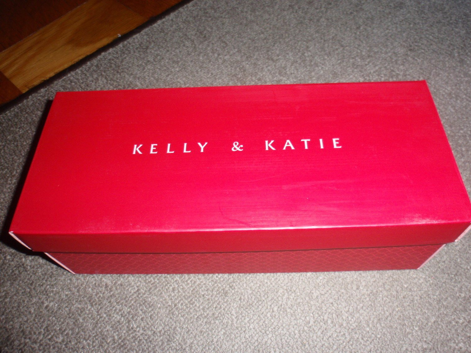 KELLY & KATIE Shoe Gift Box - RED - EMPTY BOX - size 12 1/2 x 5 1/8 x 4