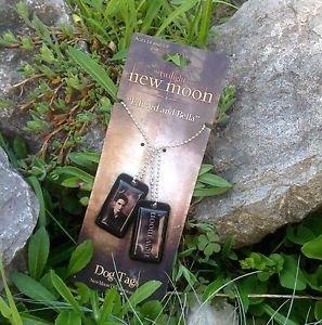 "The Twilight Saga New Moon ""Edward and Bella"" Dog Tags by NECA"