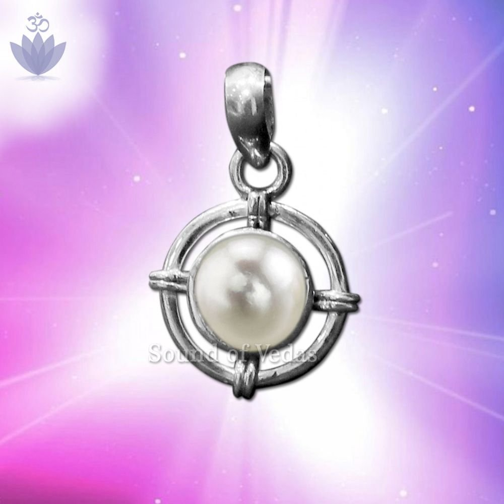 Pearl Gemstone Locket in Silver