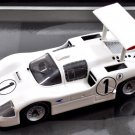 Minichamps 436671401 Chaparral 2F #1 'Hill - Spence' winner BOAC 500 Brands Hatch 1967