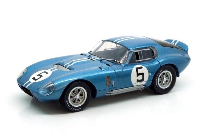 Exoto RLG18001 Cobra Daytona #5 'Gurney - Boudurant' 1st pl GT 5 cl Le Mans 1964
