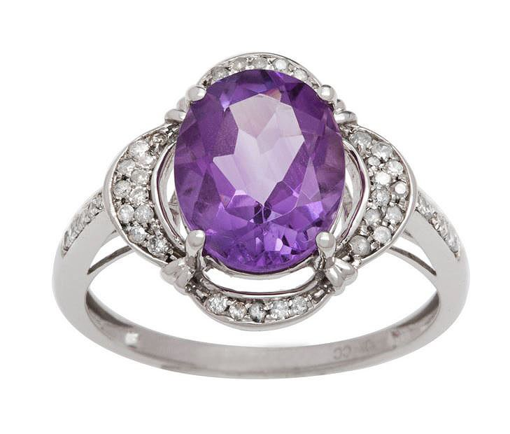 White Gold 3.33ct Oval Amethyst and Pave Halo Diamond Ring