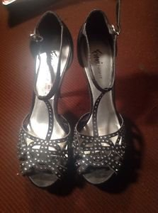 LADIES FIONI NIGHT BLACK MASQUERADE EMBELLISHED STRAPPY 4 1/2 in. HEELS- Size 7