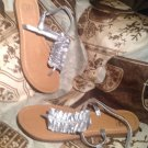 WORN ONCE! GIANNI BINI SILVER LEATHER WOMEN'S RUFFLED THONG SANDALS SIZE 8M