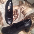 ST. JOHN'S BAY WOMEN'S HEELED LOAFERS SHOES SIZE 6M BLACK LEATHER UPPERS