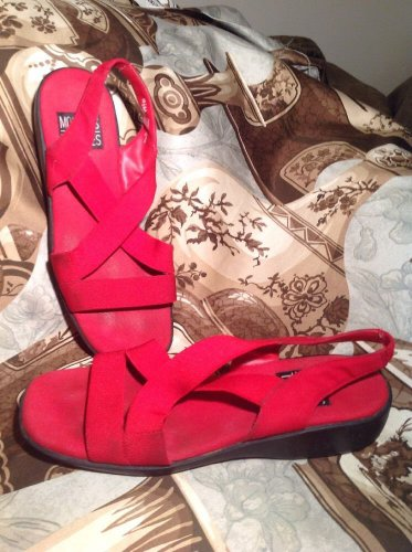 MOOTSIE TOOTSIE WOMEN'S RED HAVEN ELASTIC STRAP FLAT SANDALS SHOES SIZE 8.5M