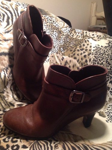 """NUTURE WOMEN'S BROWN LEATHER ANKLE BOOTS Size 8M HEEL 2.5"""" **Very Good Cond**"""
