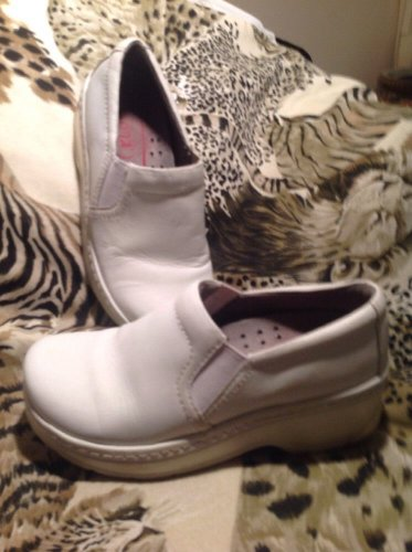 KLOGS WOMEN'S 6.5M WHITE WORK SHOES SLIP RESISTANT CLOGS NURSE CNA FOOD WORKER