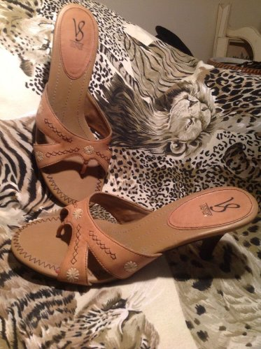 Victoria Spencer Light Brown Slip On Thong Slide Sandals/Stitched Design, 9.5M
