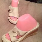 BORN DRILLES 9M WOMEN'S IVORY LEATHER UPPER SLIDE WEDGE SANDALS W/ FLOWERS SHOES