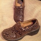 WOMEN'S B.O.C BY BORN BROWN LEATHER CLOGS HEELS SHOES Shoes SIZE 7M