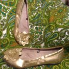 "WHITE MOUNTAIN GOLD ""HUDSON"" BALLET FLATS W/FLOWER DECOR WOMEN'S SIZE 7M"