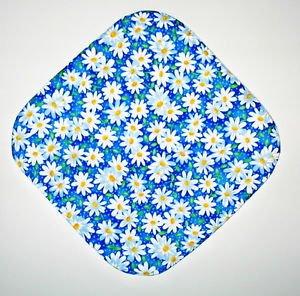 "8"" Hot Pot Pad/Pot Holder - WHITE DAISIES ON BLUE - All Handmade"