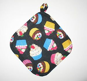 "8"" Hot Pot Pad/Pot Holder with Hanger - CUPCAKES ON BLACK - All Handmade"