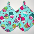 "** NEW ITEM ** 8"" Hot Pot Pad/Pot Holder with Hanger Set - CUPCAKES ON GREEN"