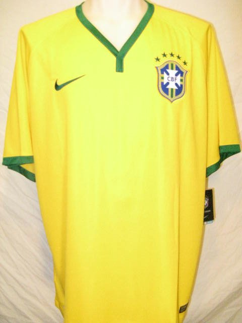 Brazil Nike Dri-Fit Men's Large Yellow Soccer Jersey
