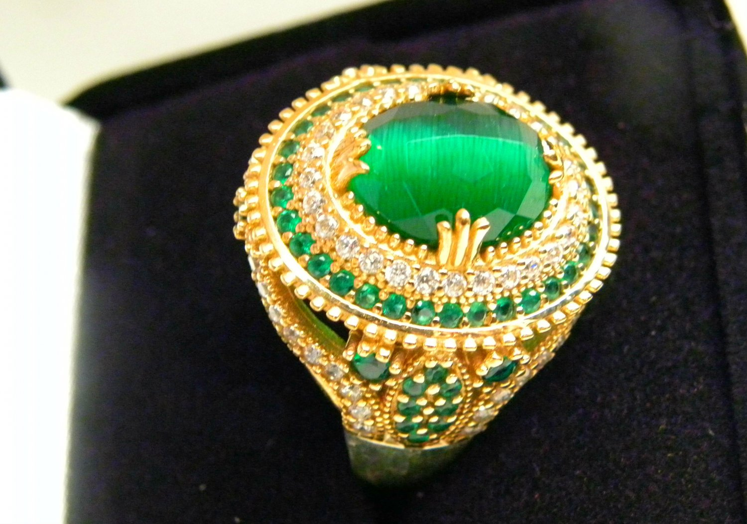GORGEOUS faux EMERALD N CAT'S EYE 925 STERLING SILVER RING with WHITE TOPAZ