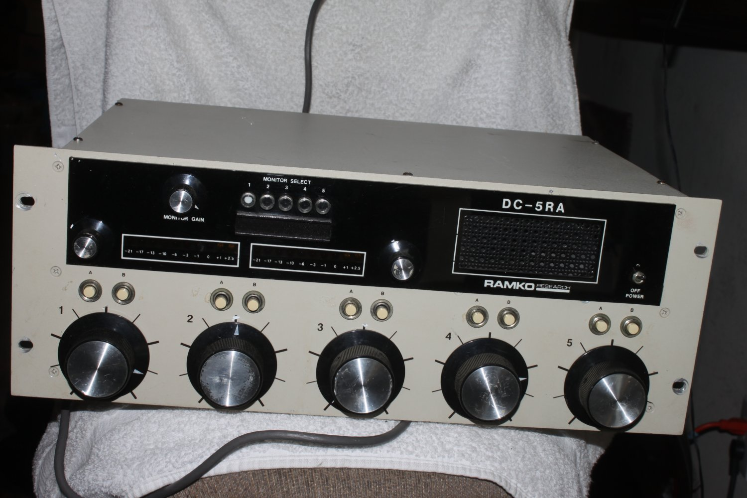Ramko Research DC-5RA, 5 Channel Vintage Summing Mixer Powers On Rare Q1 (V)
