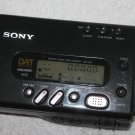 Sony DAT Player / Recorder TCD-T8 - Powers On -Main Unit For Belt Repair-As Is