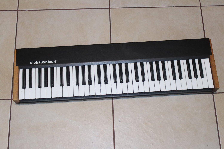 alphaSyntauri  Syntauri  Apple II Computer Digital 8-Bit Synthesizer Keyboard 2/20