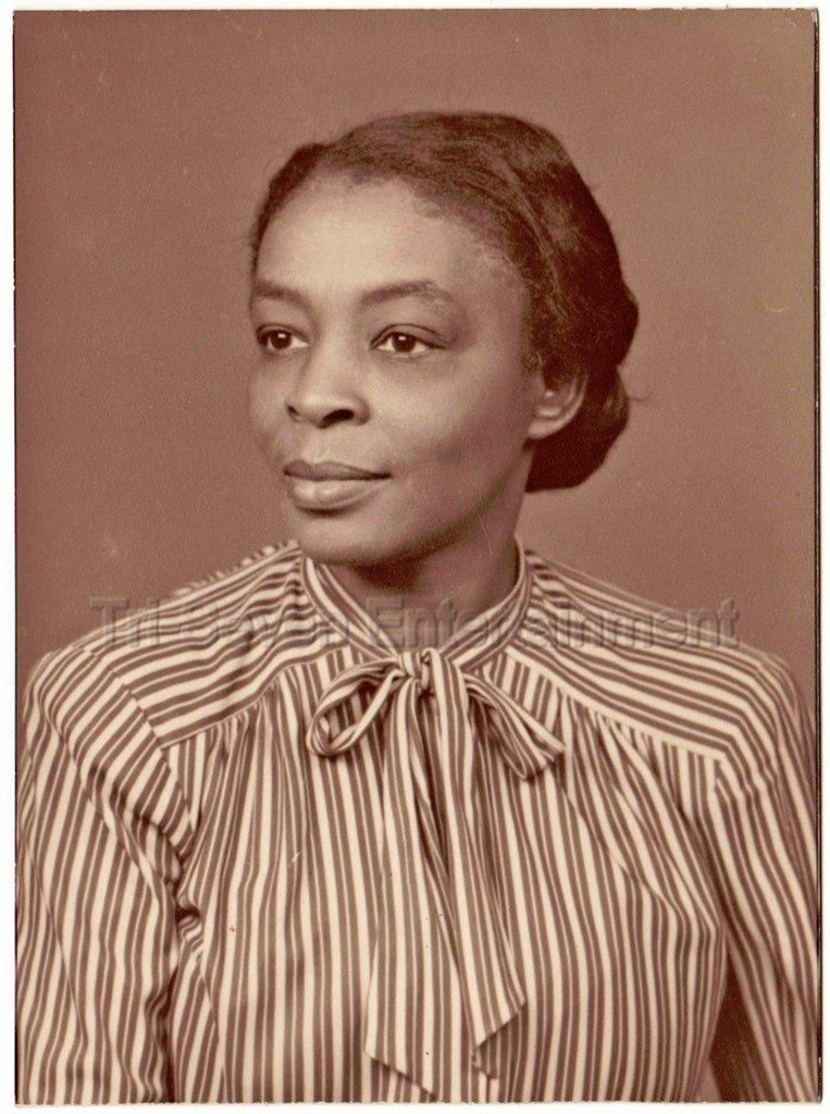 Vintage Sophisticated Older African-American Woman Studio Photo Black Americana