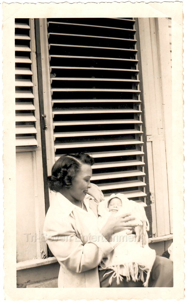 1940-50s Vintage African-American Mother w/Sleeping Baby Old Photo Black People
