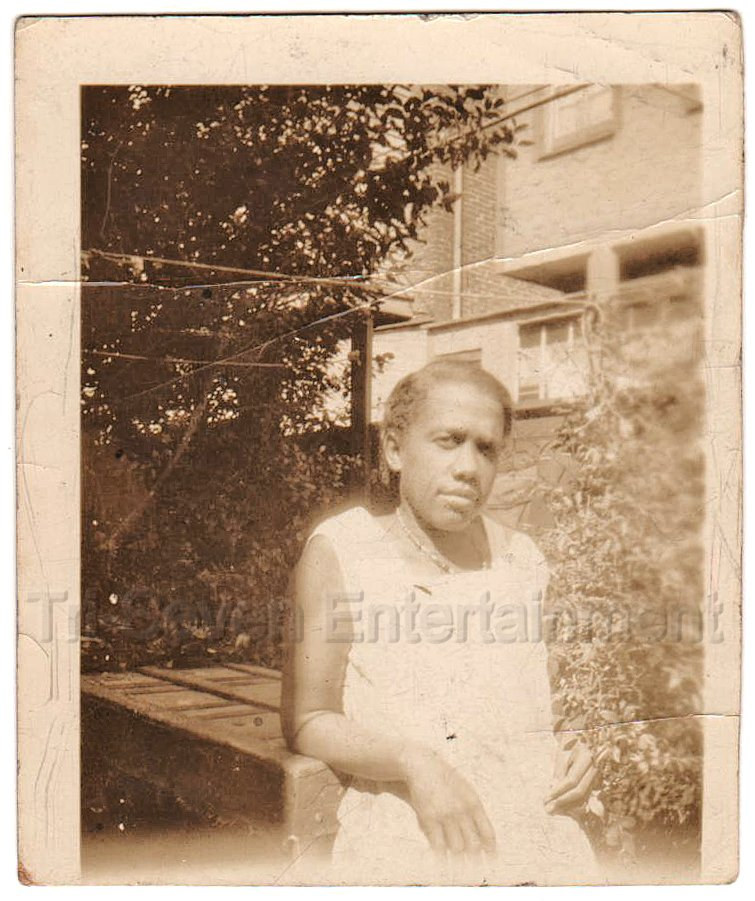 1940-50s Vintage Photo of Older African-American Woman Posing Black Americana