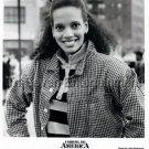 "SHARI HEADLEY - ""COMING TO AMERICA"" - 8X10 PRESS PHOTO - 1988 - AFRICAN AMERICAN"