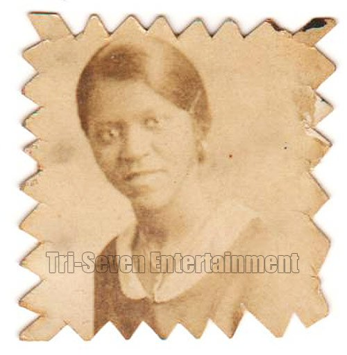 Antique African American Pretty Woman Photo Booth Old Black Americana TPB39