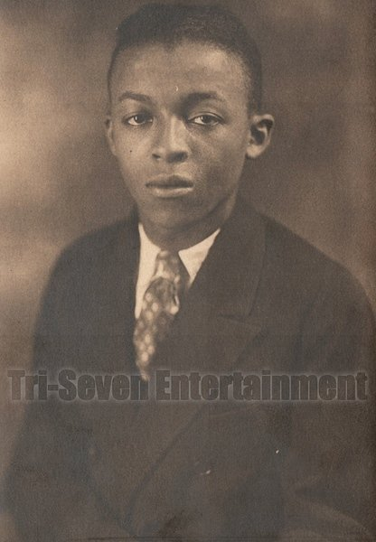 Antique African American Photo Handsome Young Man in Suit Old Black Americana