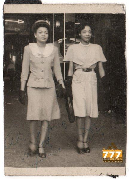 Vintage Pretty African American Stylish Women Old Photo Black Americana V086
