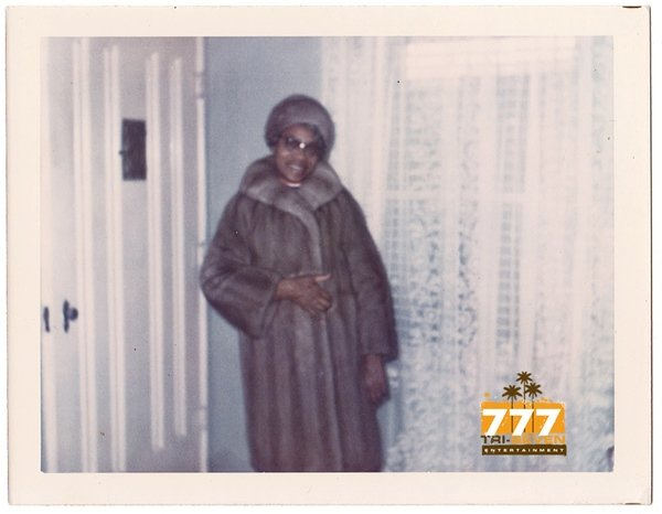 Vintage 1970s African American Woman in Fur Coat and Hat Old Color Photo CO19