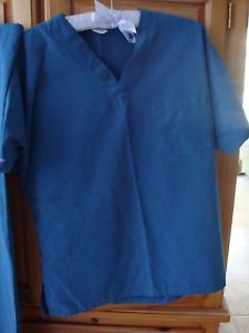 Womens BlueGreen Scrubs Size Small Beautiful Condition
