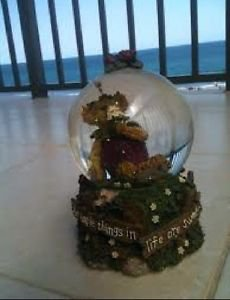 Teddy bear glitter globe music box