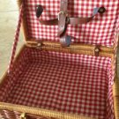 "basket for lunch with handles and closure toggle red/white lining 11"" X 8"" x 4"""