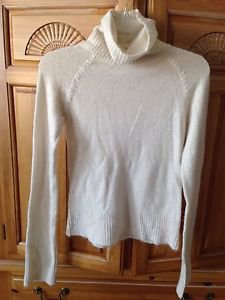 cream turtleneck sweater by xhiliration size small beautiful condition
