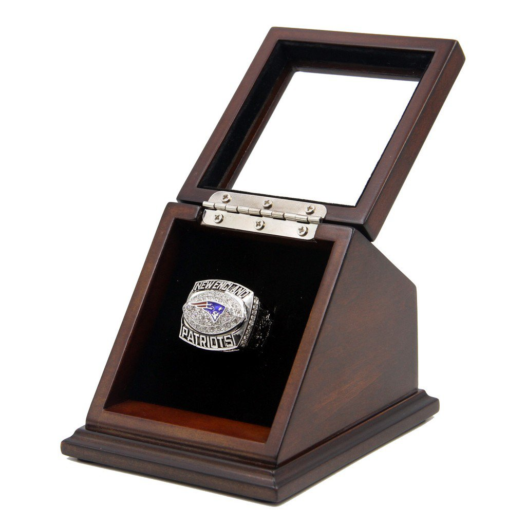 AFC 2007 New England Patriots SB Replica Championship Rings with Wooden display Case