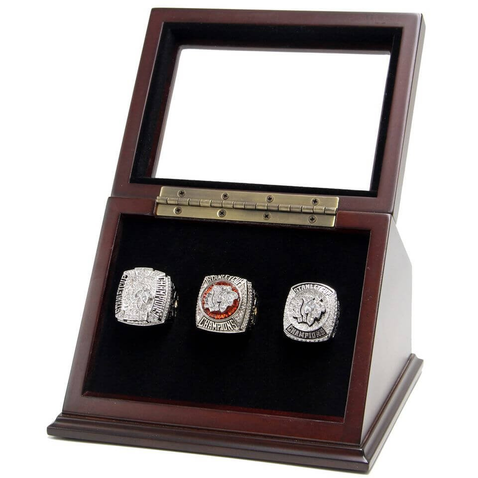 N.H.L Chicago Blackhawks Championship Replica Toews Fan Rings Set with Wooden display Case Size 11