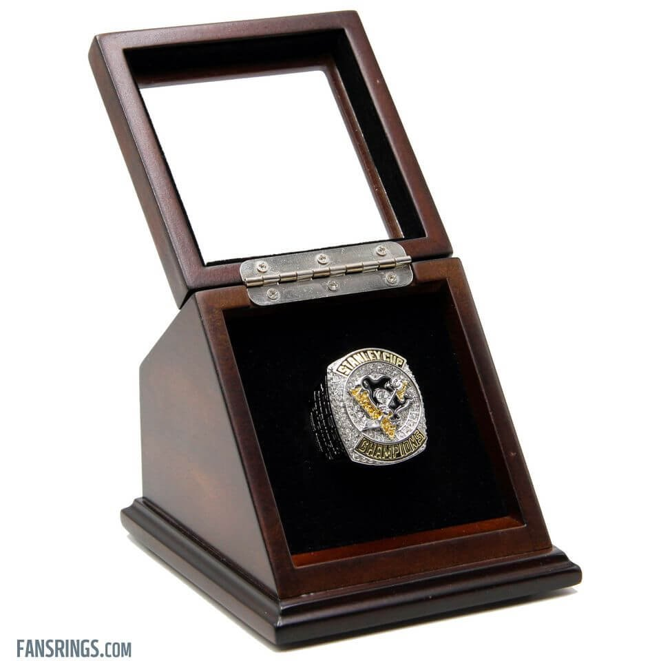 N.H.L Pittsburgh Penguins 2016 Championship Replica Fan Ring w/ Slanted Window Wooden Display Case
