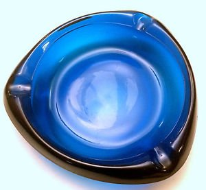 Vtg Viking Blue Glass Mid-Century Modernist 3 Sided Triangle Ashtray