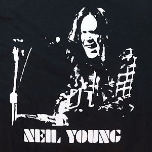 Neil Young singer retro screen printed t-shirt sz S