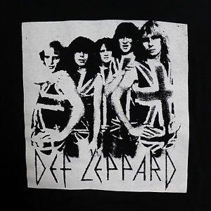 Def Leppard band ***MEDIUM*** screen printed t-shirt Black punk retro
