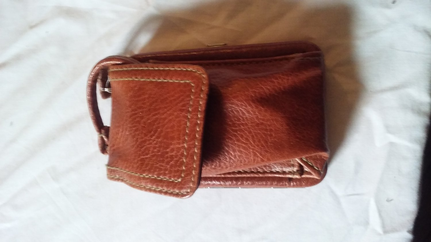 Cell Phone Compatible Wallet
