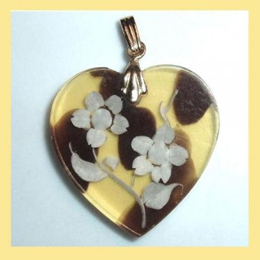 Light Yellow and Red Heart & White Flowers Roses Gold Pendant