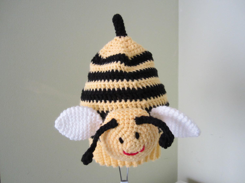 Crochet bulblebee hat