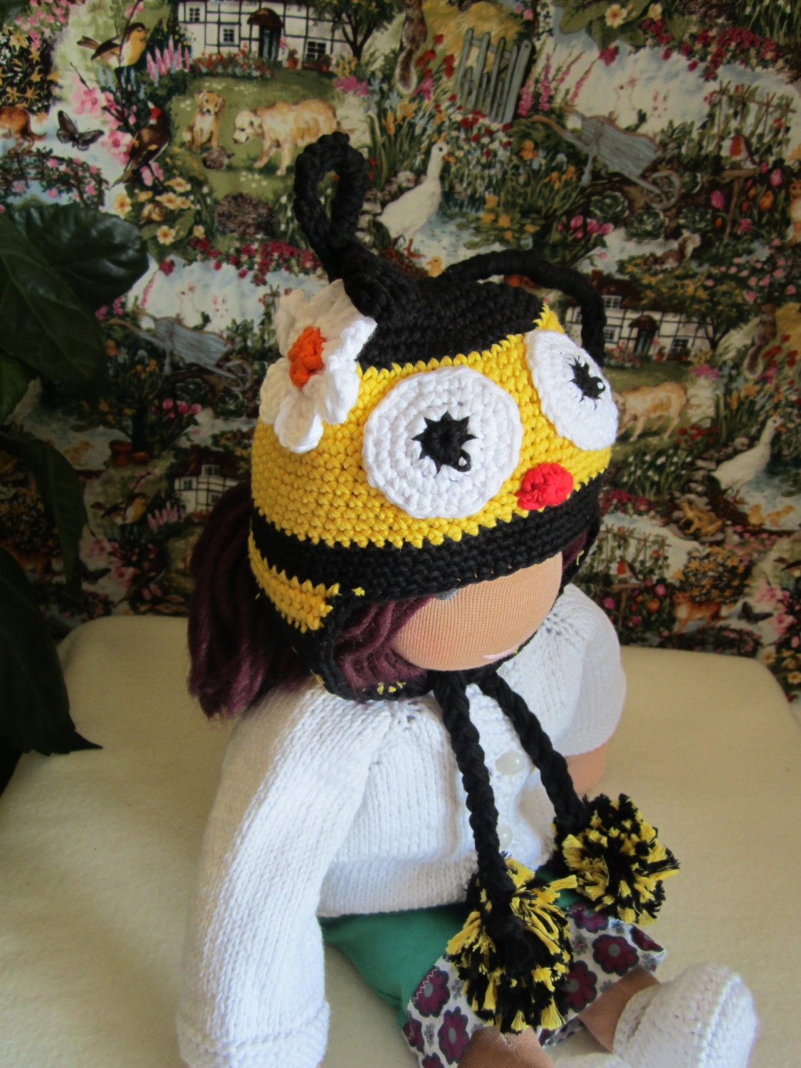 Crochet bee hat for 16 inches  Waldorf doll and American girl doll