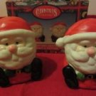 Sitting Santa's Salt & Pepper Shakers Christmas 1997 Magic Creations Item # 5935